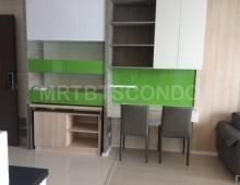 Rhythm_Sathorn_Narathiwas_Condominium_For_Rent_522218_Livingroom
