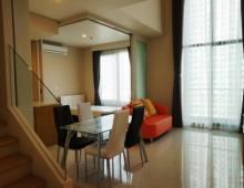 Villa_Asoke_Duplex_Condo_For_Rent_524604_Livingroom2